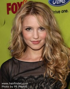 Dianna Agron looking a lot like Hanna Rutherford
